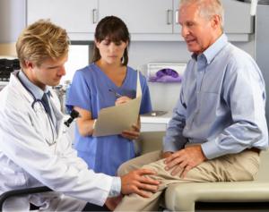 Symptome einer Kniearthrose – Anamnese beim Arzt
